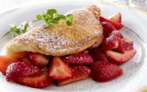omelette with strawberry