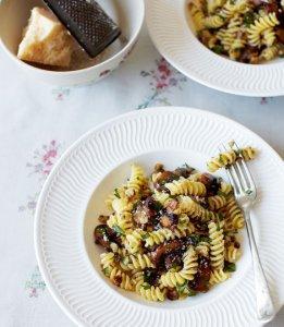 pasta met kastanjes en paddenstoelen